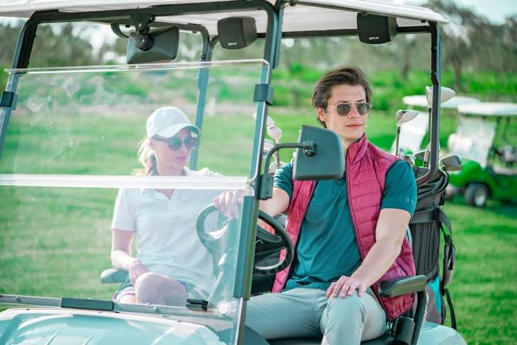 Electric Golf Cart, Your New Assistant That Eases Your Burden In Your Business